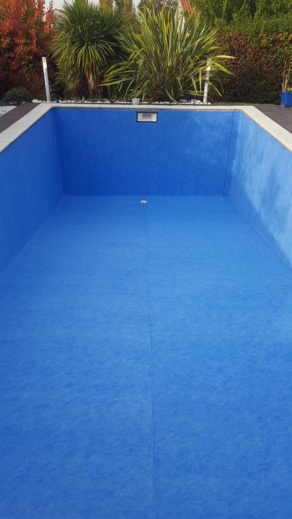 Liner de piscine les horizons bleus for Piscine lormont